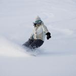 gallery-snow-snowboard-girl-deep-powder